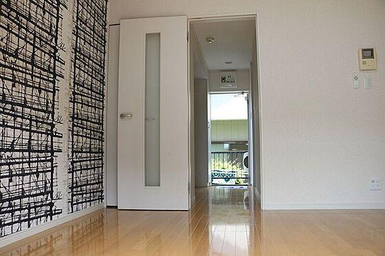 アパート-町田市原町田2丁目 個性的なアクセントクロスの洋室。