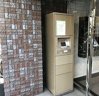 マンション(建物一部)-大阪市城東区東中浜6丁目 エントランスには宅配ボックスがあるので安心。