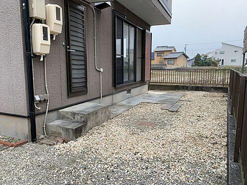 中古一戸建て-豊田市前林町桜田 勝手口がございますので、ゴミ出しなどに活用していただけます!