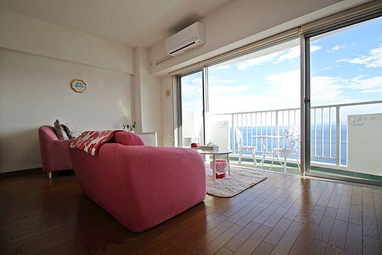 リゾートマンション-熱海市熱海 室内にいながら大海原を一望!南東向きにて日当たりも良好。室内リフォーム済みにて美室です。