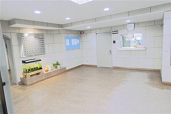 マンション(建物一部)-神戸市兵庫区滝山町 清潔感のあるエントランス。