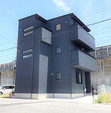 中古一戸建て-名古屋市中川区露橋1丁目 前面道路が広く車の出し入れがしやすい!
