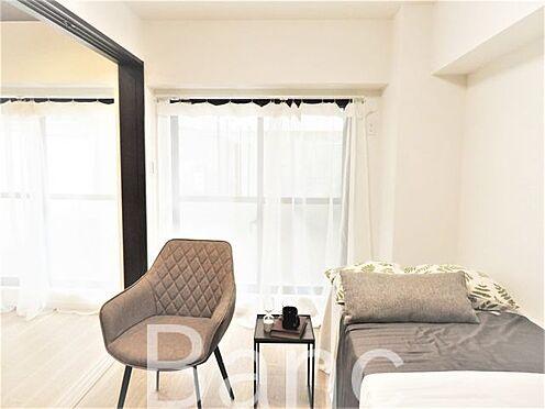 中古マンション-世田谷区下馬6丁目 リビングと洋室の仕切りは引き戸式デッドスペースが無いのでお部屋を有効に使えます