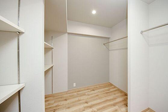 区分マンション-名古屋市南区東又兵ヱ町3丁目 ご家族で共有できる大きな収納スペースが有ります!