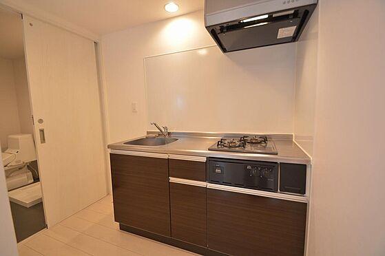 アパート-名古屋市港区港栄3丁目 色合いが統一された収納力があるキッチン