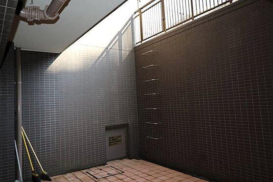 中古マンション-八王子市別所1丁目 約39.12m2地下部分テラス