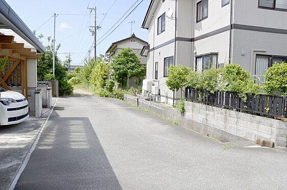 土地-富山市本郷町 前面道路約4.5m(私道)の様子