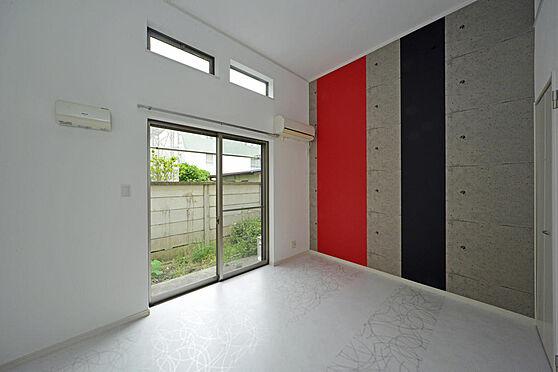 アパート-町田市原町田2丁目 デザインが個性的な洋室。