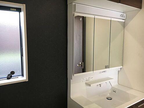 新築一戸建て-みよし市明知町一木 洗面室には床下収納もあり、洗剤や柔軟剤のストックも入れておけます!(こちらは施工事例です)