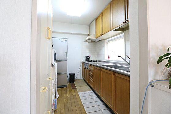 中古マンション-八王子市南大沢5丁目 窓付きキッチン、明るいので家事もしやすいです