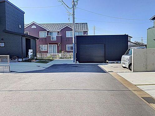 戸建賃貸-西尾市吉良町木田祐言 間口広々8m以上!運転が苦手なママも楽々駐車できます。