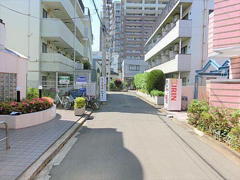 マンション(建物一部)-横浜市港北区大倉山4丁目 物件前面の様子です。