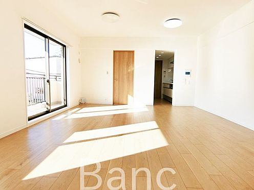中古マンション-足立区扇1丁目 広々としており開放感があるお部屋です お気軽にお問い合わせくださいませ。