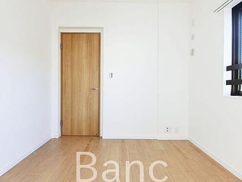 中古マンション-足立区扇1丁目 5.2帖の洋室 お気軽にお問い合わせくださいませ。