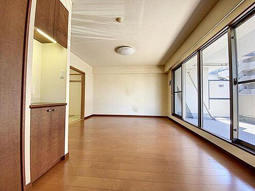 区分マンション-福岡市城南区別府4丁目 キッチン側からのLDK写真です♪