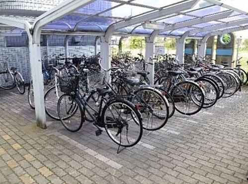 区分マンション-大阪市都島区都島南通2丁目 屋根付き駐輪スペースあり
