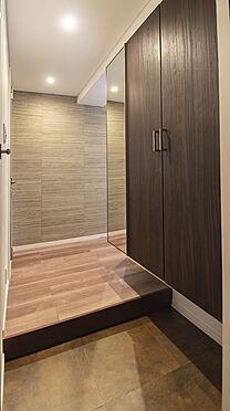 中古マンション-岡山市北区弓之町 玄関 掲載中の家具等は販売価格に含まれません。