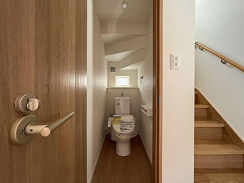 戸建賃貸-名古屋市中川区五女子町5丁目 トイレは1・2階にございます。重なる朝も安心