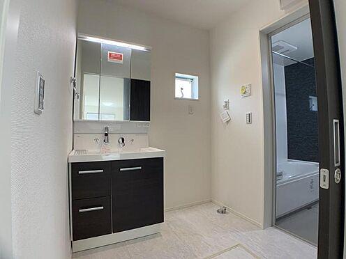 新築一戸建て-名古屋市中村区日ノ宮町3丁目 ※他現場での施工事例です。三面鏡付きの洗面台