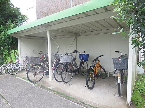 中古マンション-多摩市豊ヶ丘2丁目 敷地内駐輪場です!