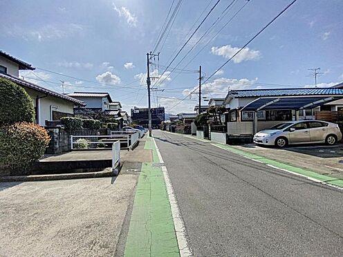 中古一戸建て-福岡市早良区飯倉4丁目 西側前面道路写真2です。