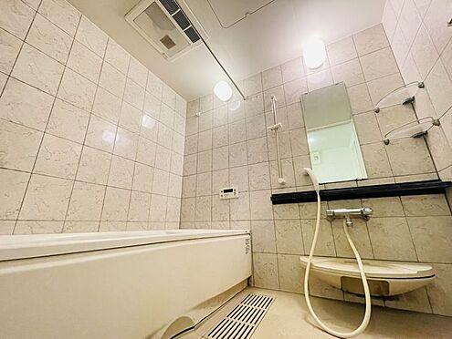 区分マンション-春日市須玖南5丁目 浴室です!乾燥機付きのため、雨の日もお洗濯に困りません♪