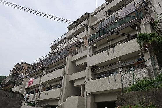 マンション(建物一部)-神戸市須磨区車字霜ノ下 個性的でおしゃれな外観デザイン