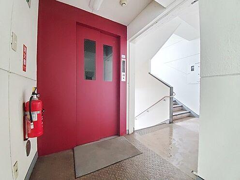 区分マンション-多摩市落合3丁目 人気のエレベーター棟です!眺望の良い9階のお部屋です。