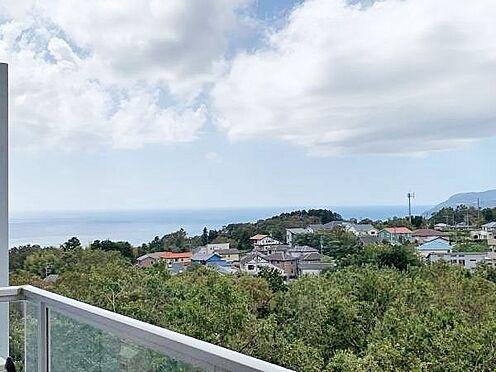中古マンション-伊東市富戸 ≪眺望≫ バルコニーから南側に海を望みます。