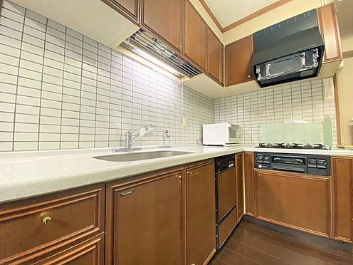 中古マンション-福岡市南区横手4丁目 家事動線の便利なL字型キッチンです♪
