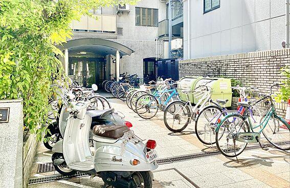 区分マンション-京都市中京区壬生仙念町 駐輪場、バイク置きが完備されています。