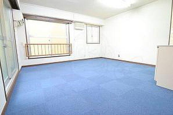マンション(建物一部)-大阪市淀川区西中島5丁目 居間