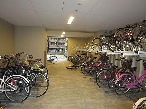 マンション(建物一部)-大阪市中央区南新町2丁目 屋内には駐輪スペース付き