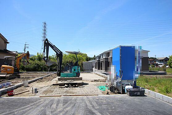 新築一戸建て-大和高田市大字有井 これから工事が始まりますので基礎や構造部分もしっかりご確認頂けます。モデルルームへのご案内も可能です。(2021年5月撮影)