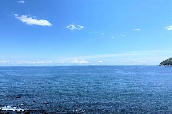 リゾートマンション-熱海市上多賀 眺望3:バルコニーに出ますと視界いっぱいに広がる紺壁の相模湾。まさにリゾート。