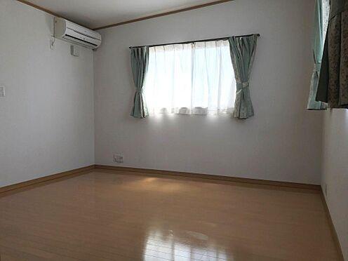 店舗付住宅(建物全部)-横須賀市安浦町3丁目 勾配天井になっています