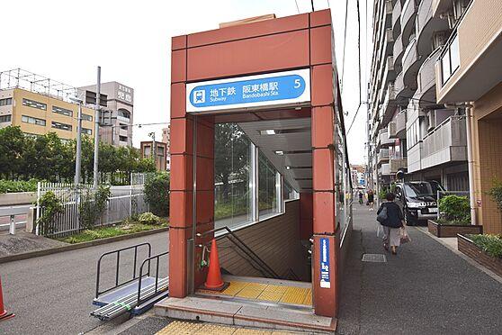 マンション(建物一部)-横浜市南区前里町3丁目 徒歩約8分の場所にある2つ目に近い駅です。桜木町や新横浜にも1本で行けます。