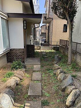 建物全部その他-松戸市古ケ崎1丁目 趣のある玄関アプローチです。