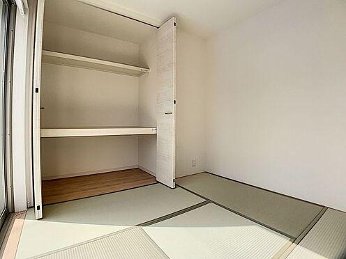 新築一戸建て-豊田市御船町 リビング横の洋風和室ではお子様と一緒に気持ちの良いお昼寝が出来そうです♪(こちらは施工事例です)