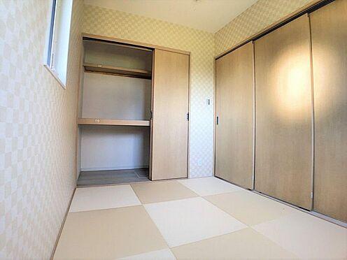 新築一戸建て-西尾市今川町一本松 デザイン性溢れる和室。夏はひんやり、冬は暖かい畳の部屋で快適生活!