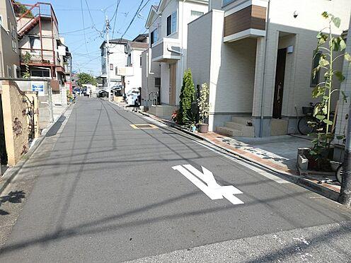 戸建賃貸-足立区大谷田1丁目 前面道路(約4.6m公道)