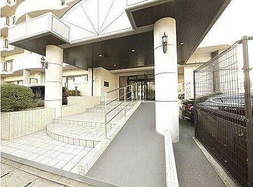 マンション(建物一部)-北九州市小倉北区高峰町 エントランスです♪段差が少ないので足の悪い方でも安心です♪