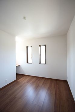 新築一戸建て-橿原市曽我町 フローリング貼でお掃除楽々!全室2面採光で風通しも問題ありません。