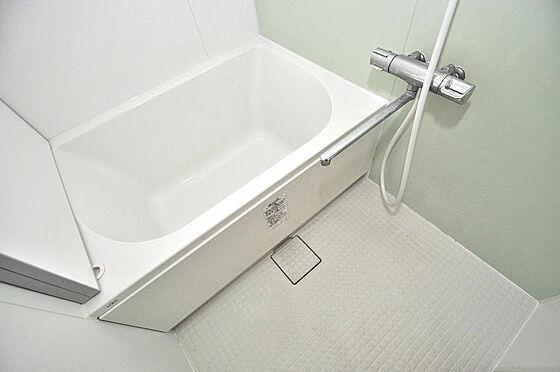 マンション(建物一部)-大阪市淀川区十三本町2丁目 お風呂はリフォーム済ですので、とってもキレイです。
