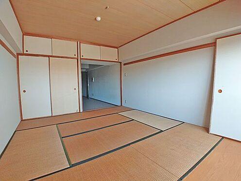 中古マンション-伊東市岡 和室スペースを別の角度から撮影しました。