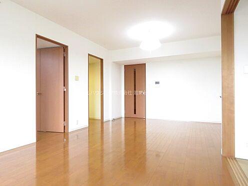 中古マンション-稲城市若葉台2丁目 長方形に近い形状のため、家具の配置がし易いのも魅力です