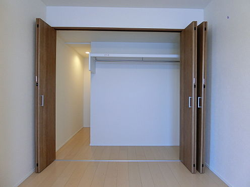 中古マンション-新潟市中央区南出来島2丁目 洋室約6.6帖のクロゼット