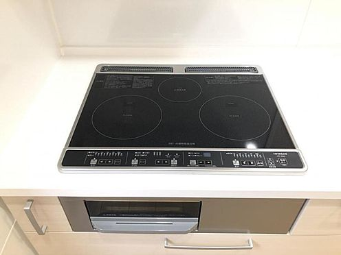 新築一戸建て-名古屋市守山区大字下志段味 表面がフラットなのでお掃除も一拭きで完結する事が出来ます。IHの火加減はガスに劣りません。(同仕様)