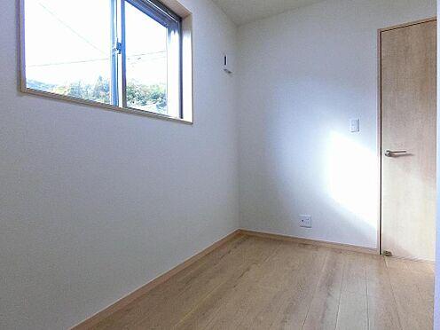 アパート-呉市阿賀中央2丁目 202号室:日当たりも良好な洋室です。