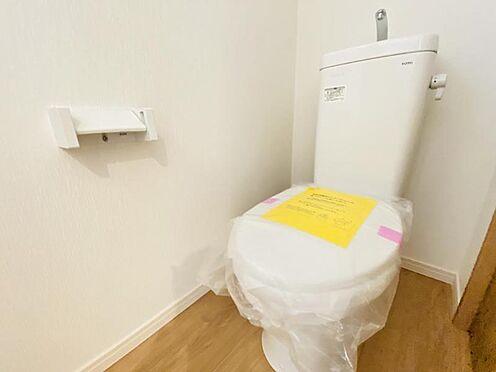 戸建賃貸-春日井市上条町2丁目 1・2階にトイレあり。階段を降りなくてもいいので便利です!